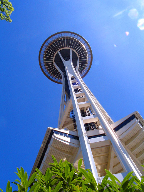 11Space-Needle-towering-above-from-belowXL