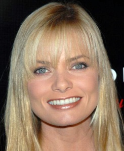 Jaime_Pressly_at_Slim-Fast_Fashion_Show_4